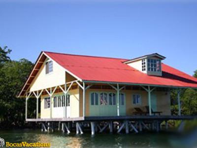 Casa Sobre el Mar House Over the Water